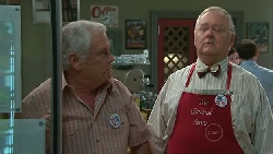 Lou Carpenter, Harold Bishop in Neighbours Episode 5287