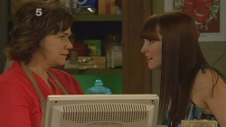 Lyn Scully, Summer Hoyland in Neighbours Episode 6091