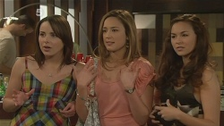 Kate Ramsay, Sonya Mitchell, Jade Mitchell in Neighbours Episode 6091