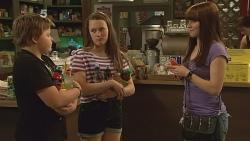 Callum Jones, Sophie Ramsay, Summer Hoyland in Neighbours Episode 6093