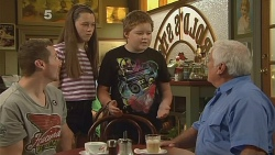 Toadie Rebecchi, Sophie Ramsay, Callum Jones, Lou Carpenter in Neighbours Episode 6093