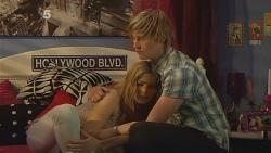 Natasha Williams, Andrew Robinson in Neighbours Episode 6093