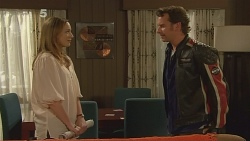 Sonya Mitchell, Lucas Fitzgerald in Neighbours Episode 6094