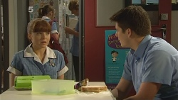 Summer Hoyland, Chris Pappas in Neighbours Episode 6094