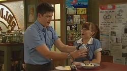 Chris Pappas, Summer Hoyland in Neighbours Episode 6094