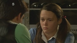 Zeke Kinski, Sophie Ramsay in Neighbours Episode 6096