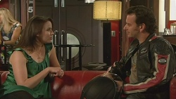 Kate Ramsay, Lucas Fitzgerald in Neighbours Episode 6097