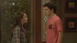 Sophie Ramsay, Zeke Kinski in Neighbours Episode 6097