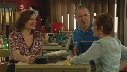 Rebecca Napier, Karl Kennedy, Susan Kennedy in Neighbours Episode 6098
