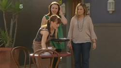 Summer Hoyland, Kate Ramsay, Sonya Mitchell in Neighbours Episode 6098