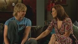Andrew Robinson, Rebecca Napier in Neighbours Episode 6098