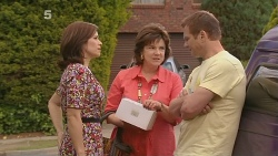 Rebecca Napier, Lyn Scully, Michael Williams in Neighbours Episode 6099