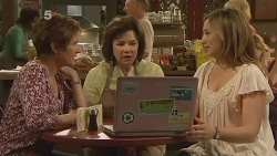 Susan Kennedy, Lyn Scully, Sonya Mitchell in Neighbours Episode 6099