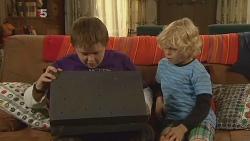 Callum Jones, Charlie Hoyland in Neighbours Episode 6100