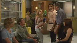 Andrew Robinson, Michael Williams, Natasha Williams, Doug Harris, Karl Kennedy, Summer Hoyland in Neighbours Episode 6100