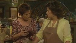 Susan Kennedy, Lyn Scully in Neighbours Episode 6101