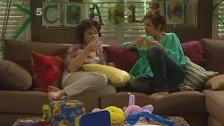 Lyn Scully, Susan Kennedy in Neighbours Episode 6103