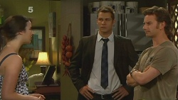 Kate Ramsay, Mark Brennan, Lucas Fitzgerald in Neighbours Episode 6103