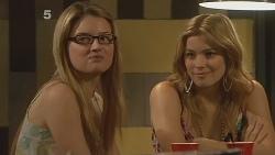 Lisa Devine, Natasha Williams in Neighbours Episode 6106