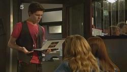 Zeke Kinski, Natasha Williams, Summer Hoyland in Neighbours Episode 6106