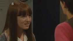 Summer Hoyland, Zeke Kinski in Neighbours Episode 6106
