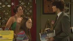 Kate Ramsay, Sophie Ramsay, Declan Napier in Neighbours Episode 6108
