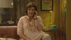 Lyn Scully in Neighbours Episode 6109