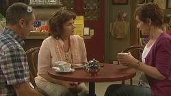 Karl Kennedy, Lyn Scully, Susan Kennedy in Neighbours Episode 6109