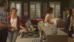 Karl Kennedy, Susan Kennedy, Lyn Scully, Summer Hoyland, Dahl in Neighbours Episode 6109