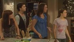 Summer Hoyland, Zeke Kinski, Kate Ramsay, Sophie Ramsay in Neighbours Episode 6111