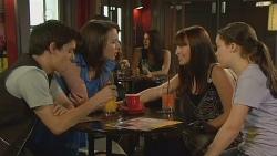 Zeke Kinski, Kate Ramsay, Summer Hoyland, Sophie Ramsay in Neighbours Episode 6111