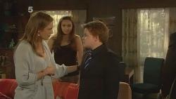 Sonya Mitchell, Jade Mitchell, Callum Jones in Neighbours Episode 6111