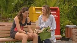 Jade Mitchell, Sonya Mitchell in Neighbours Episode 6112
