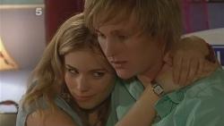 Natasha Williams, Andrew Robinson in Neighbours Episode 6112