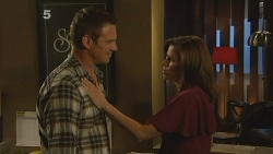Michael Williams, Rebecca Napier in Neighbours Episode 6113
