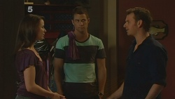 Kate Ramsay, Mark Brennan, Lucas Fitzgerald in Neighbours Episode 6114
