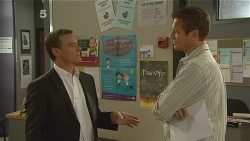 Paul Robinson, Michael Williams in Neighbours Episode 6114