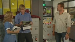 Natasha Williams, Andrew Robinson, Michael Williams in Neighbours Episode 6114