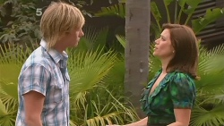 Andrew Robinson, Rebecca Napier in Neighbours Episode 6115