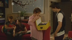 Mark Brennan, Sophie Ramsay, Susan Kennedy, Zeke Kinski in Neighbours Episode 6115