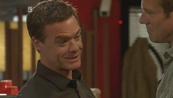 Paul Robinson, Michael Williams in Neighbours Episode 6116
