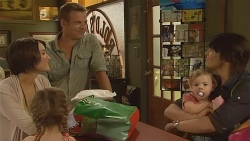 Carmella Cammeniti, Chloe Cammeniti, Michael Williams, India Napier, Declan Napier in Neighbours Episode 6116