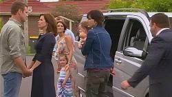 Michael Williams, Rebecca Napier, Carmella Cammeniti, Oliver Barnes, India Napier, Declan Napier, Driver in Neighbours Episode 6117