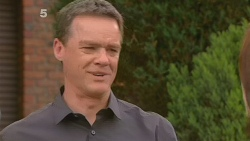 Paul Robinson in Neighbours Episode 6117