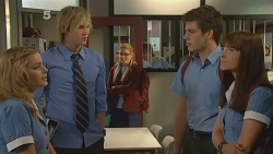 Natasha Williams, Andrew Robinson, Lisa Devine, Chris Pappas, Summer Hoyland in Neighbours Episode 6119