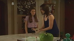 Sophie Ramsay, Kate Ramsay in Neighbours Episode 6120