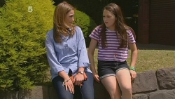 Sonya Mitchell, Sophie Ramsay in Neighbours Episode 6120
