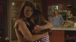 Kate Ramsay, Sophie Ramsay, Sonya Mitchell in Neighbours Episode 6120