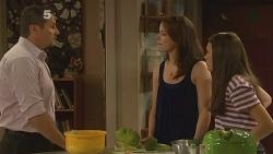Toadie Rebecchi, Kate Ramsay, Sophie Ramsay in Neighbours Episode 6120