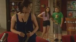 Kate Ramsay, Sophie Ramsay, Callum Jones in Neighbours Episode 6120